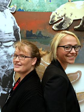 Helene Pristed Nielsen (vänster) och Stine Thidemann Faber har skrivit den tvärnordiska kartläggningen STED, (U)LIGHED og KØN tillsammans med Kathrine Bjerg Bennike.